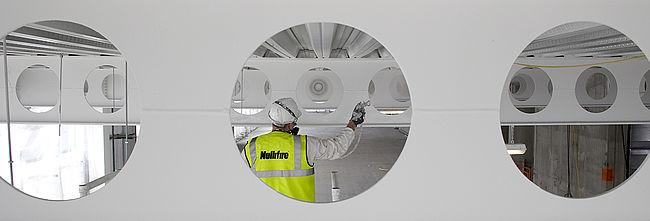 Protección de estructuras metálicas contra el fuego con pintura intumescente.